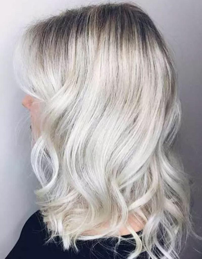 Không nhuộm màu bạch kim ở phần chân tóc