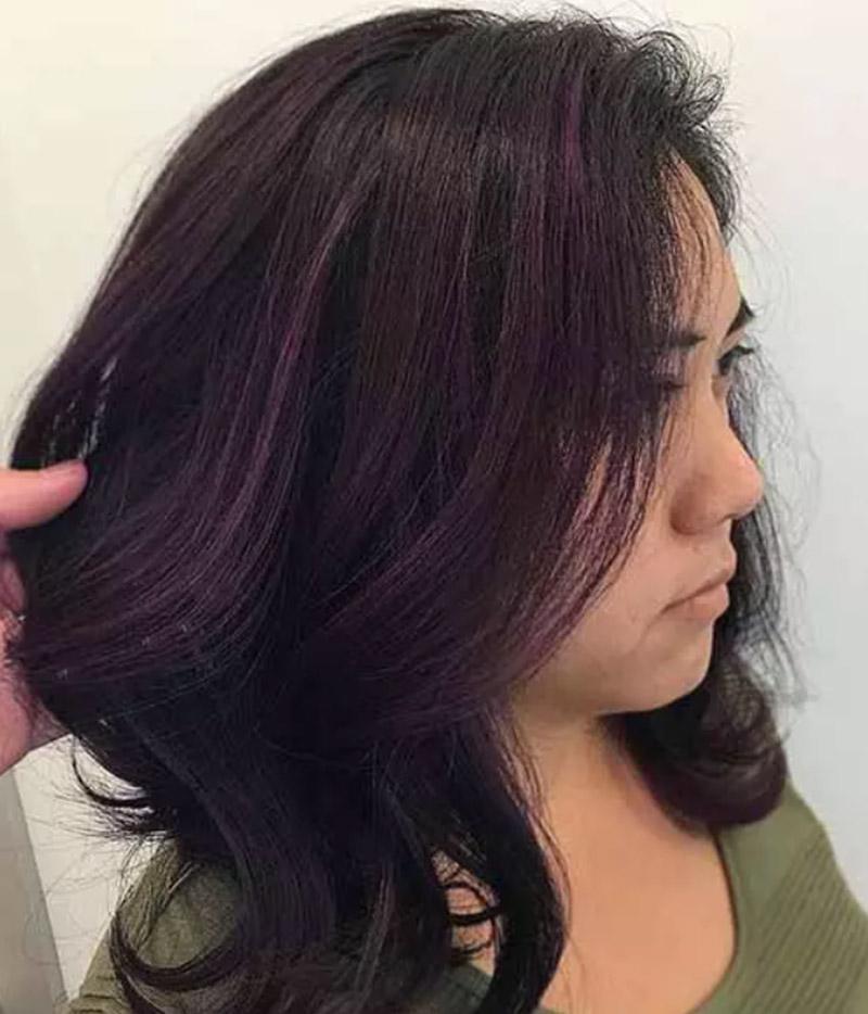Kiểu tóc gợn sóng nhuộm tím đầy tinh tế