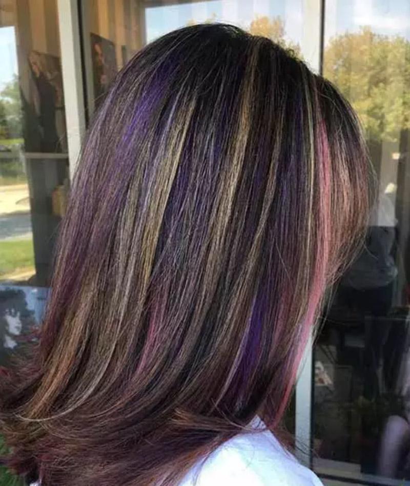 Kiểu tóc hòa phối giữa sắc tím tinh tế, sắc vàng nổi bật và gam hồng pastel trang nhã