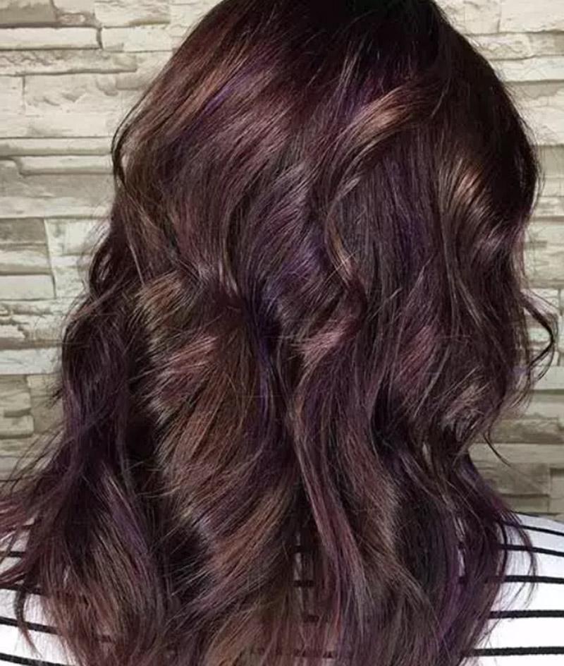 Kiểu tóc hòa phối giữa sắc tím và sắc nâu vàng