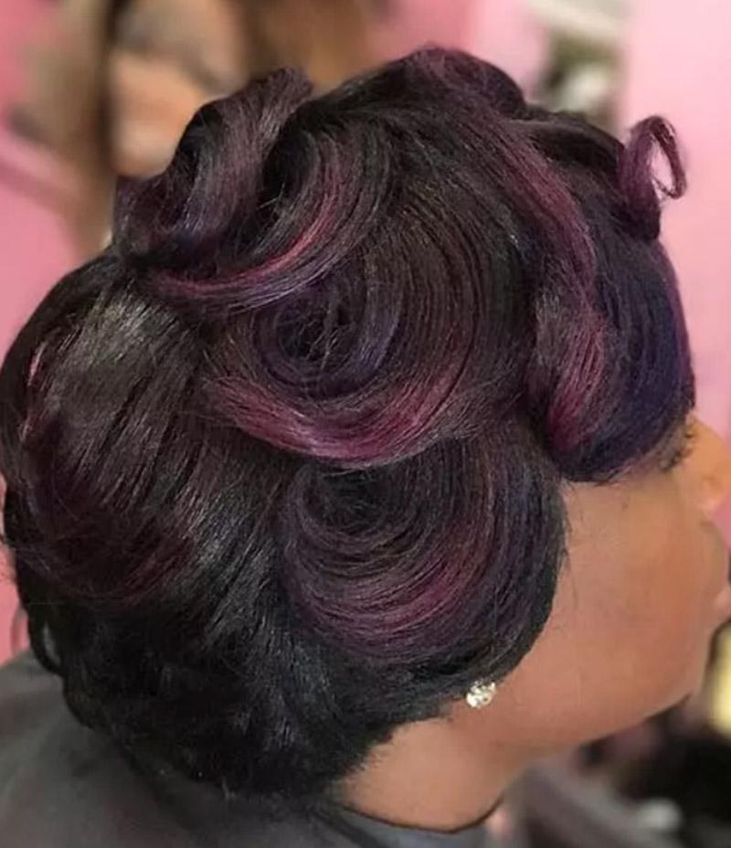 Kiểu tóc ngắn xoăn lọn to ánh tím