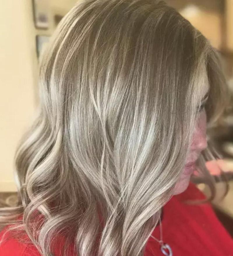 Kiểu tóc nhuộm vàng tro sáng theo phong cách Blonde