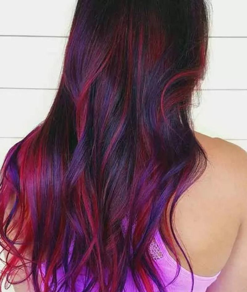 Kiểu tóc nổi bật với sắc tím phối hồng