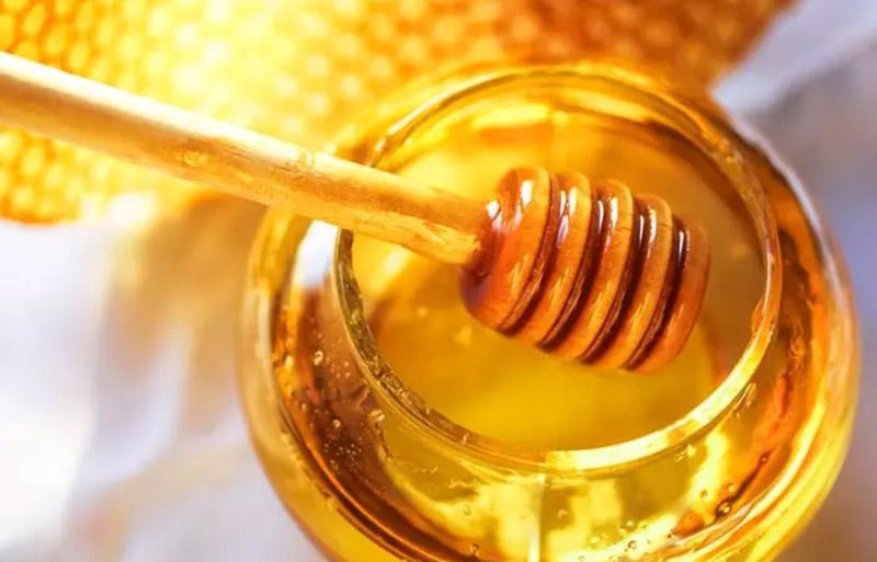 Mặt nạ mật ong và dầu ô liu cho tóc khô