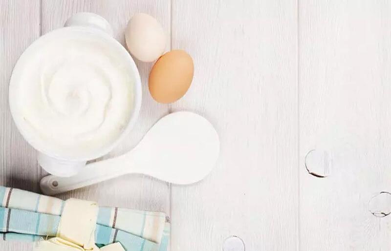 Mặt nạ ủ tóc với trứng và sữa chua