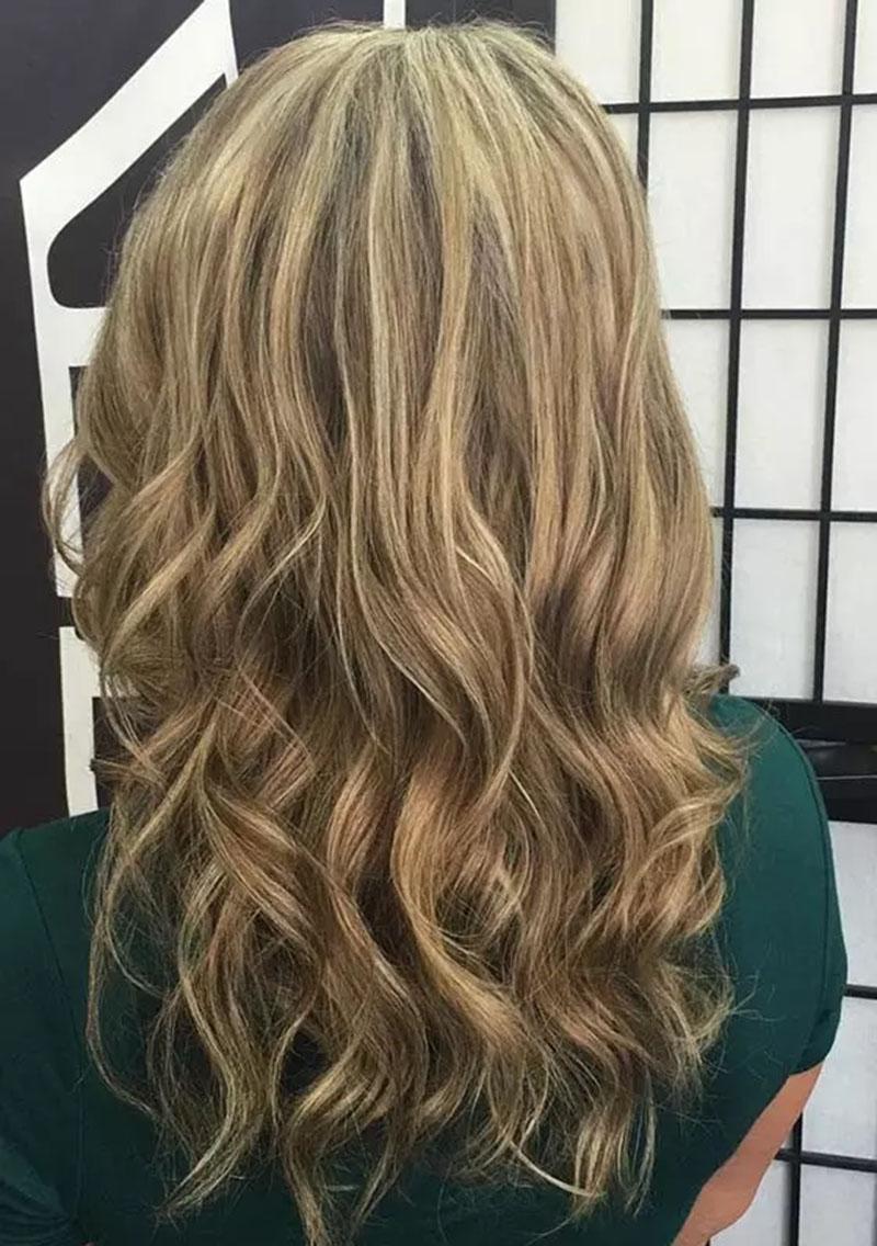 Màu tóc vàng đậm