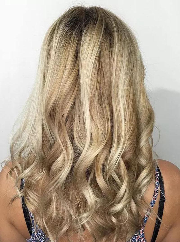 Màu tóc vàng nổi bật