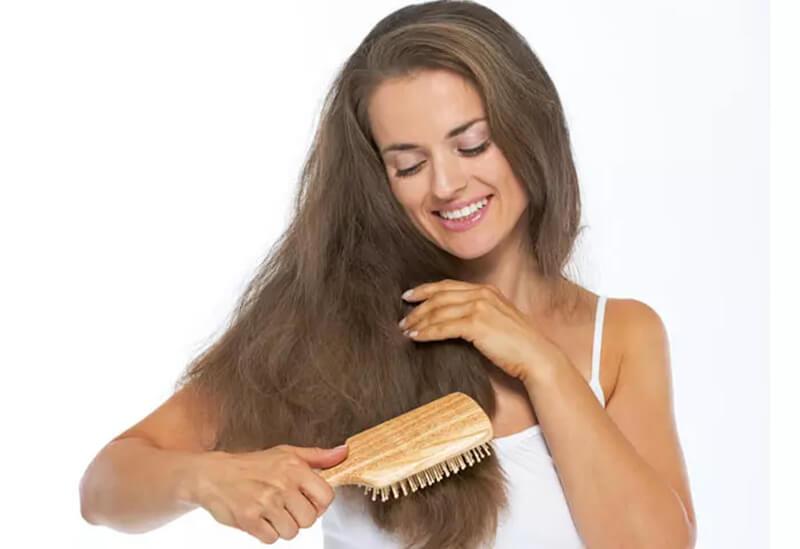 Mẹo 14: Sử dụng lược có răng rộng