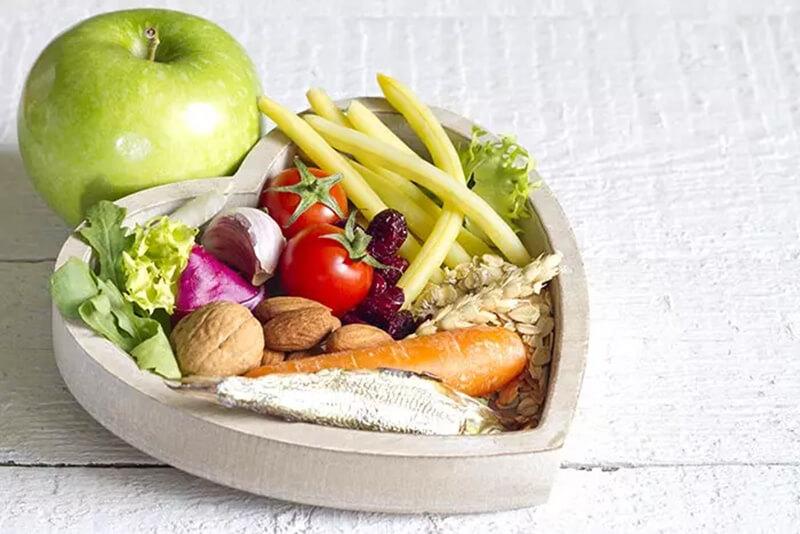Mẹo 23: Duy trì chế độ ăn uống hợp lý và tập thể dục thường xuyên