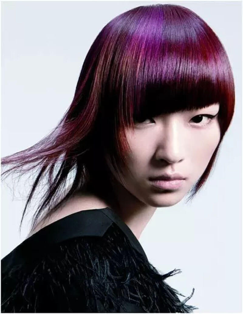 Mẹo trang điểm cho những cô gái có màu tóc tím