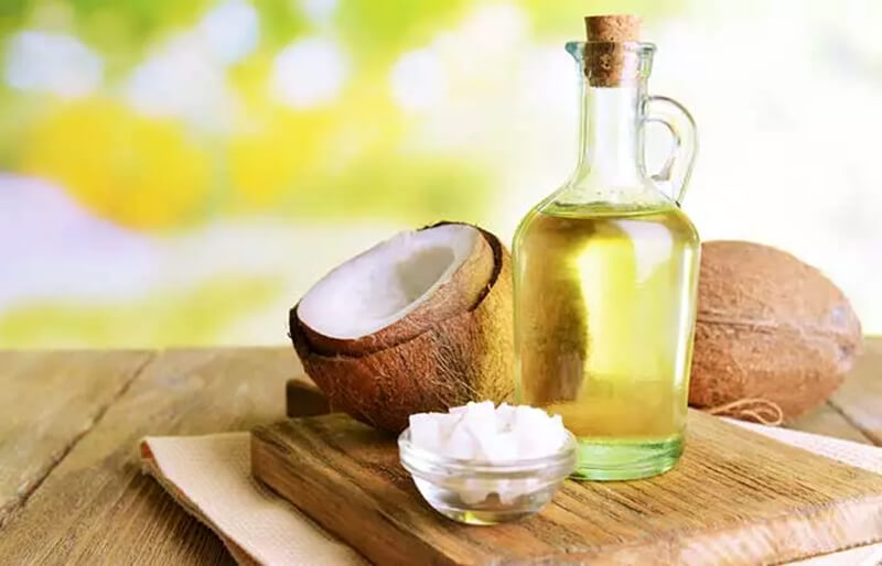 Sử dụng dầu dừa để chăm sóc tóc hàng ngày