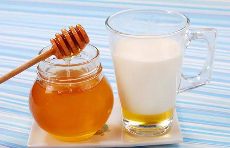 Sữa và mật ong