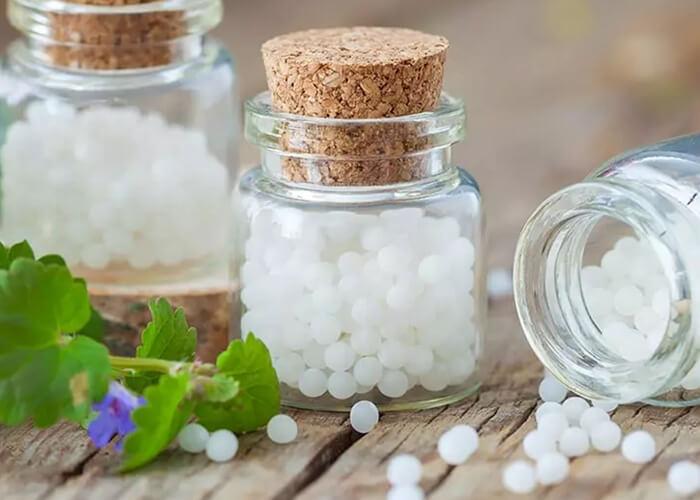 Top 18 loại thuốc vi lượng đồng căn hỗ trợ điều trị tình trạng rụng tóc